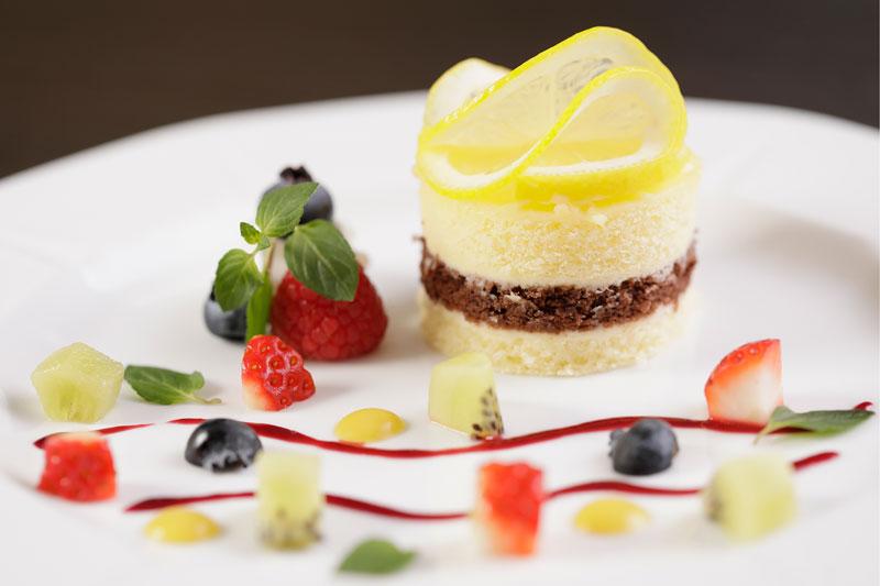 華やかな彩りのレモンケーキ