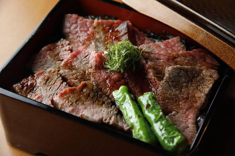 飛騨牛ステーキ重 4,039円