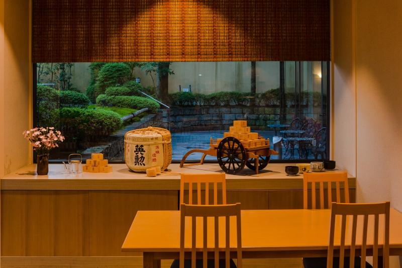 レストラン 「 かも川 」