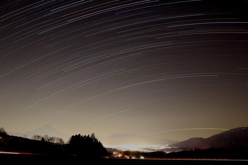 写真① 右下はカノープスの軌跡